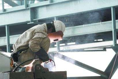 2018年黑龙江公务员考试申论范文:新时代的工人力量